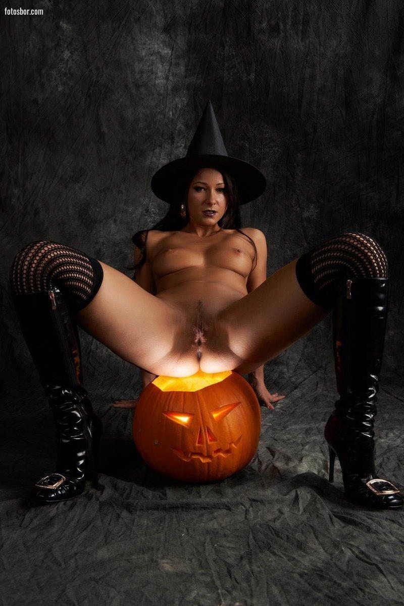 отсосала на хэллоуин в страшной маске смотреть порно сами