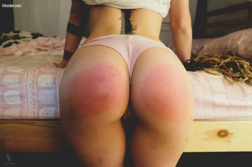 Порно шлепанные попки до красна, негры ебут пьяную соску порно