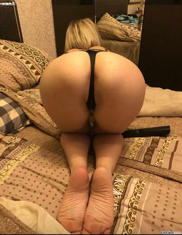 Порно фото сучек в черных стрингах порно