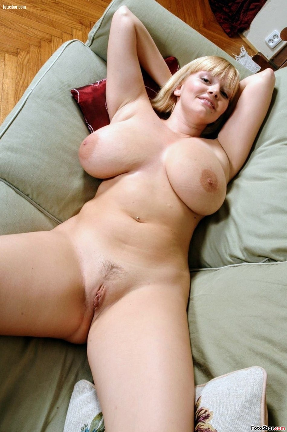 Thick Mom Nude