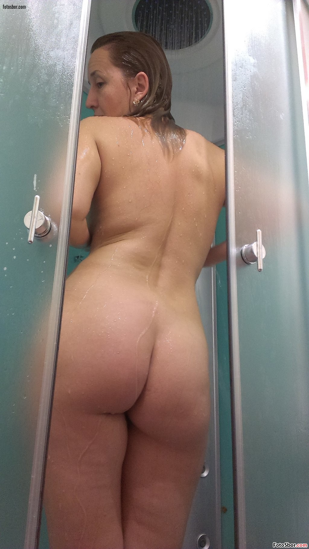 Spy camera mom and daugther after shower voyeur
